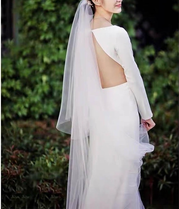 Long Sleeves Backless Wedding Dress