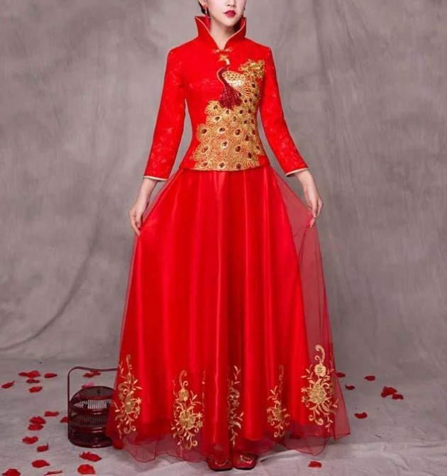 Elegant Red Wedding Cheongsam/Ao Dai/Qipao 旗袍/奧黛 designed With Golden Peacock Dress