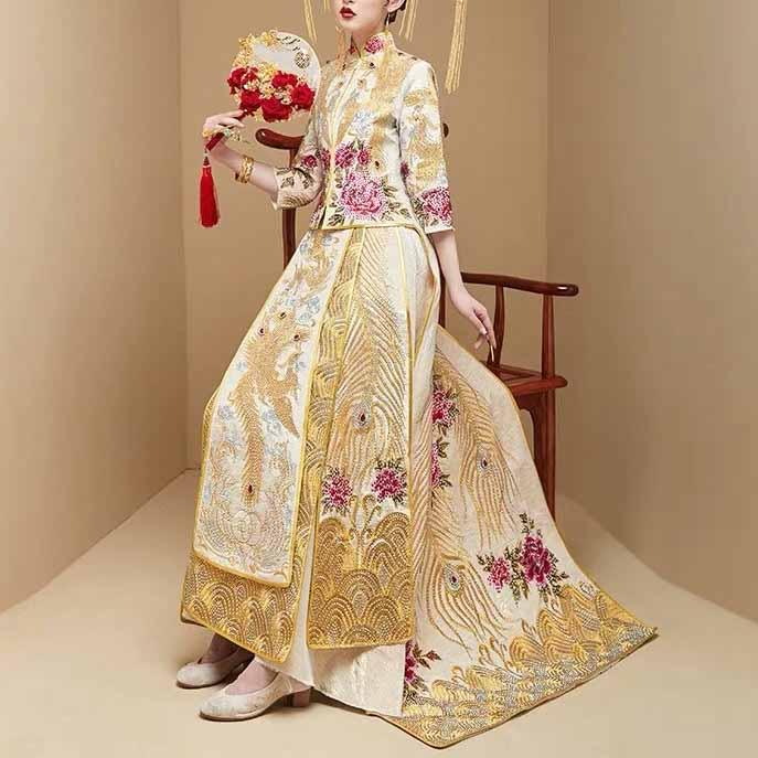 Wedding Kua 龍鳳卦/秀禾服 Qun Kua Cheongsam for Bride in Gold with Floral and Peacock Embroidery with Bead