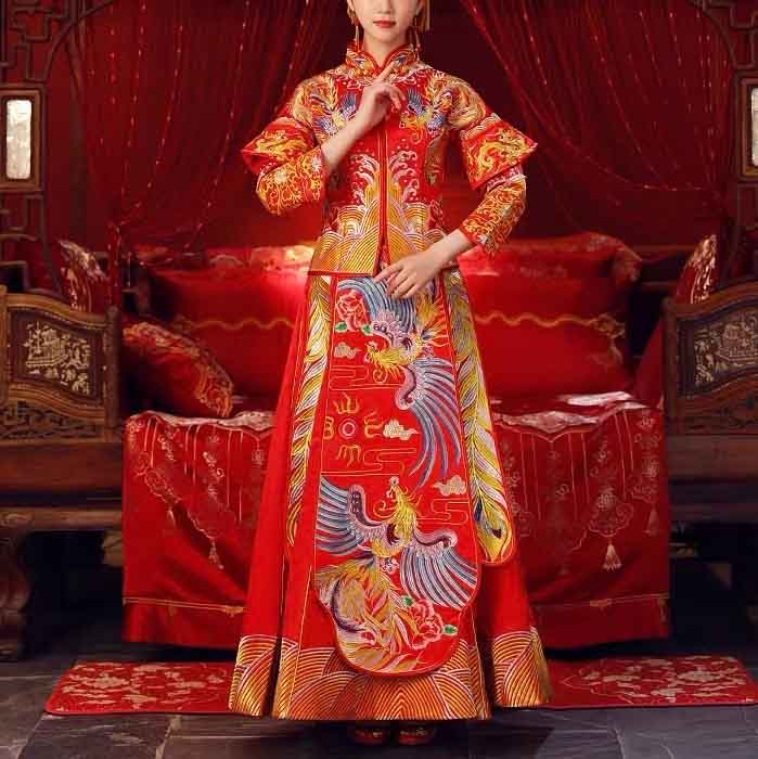 Wedding Kua 龍鳳卦/秀禾服 Qun Kua Cheongsam for Bride in Traditional Red with Layered Sleeve and Elegant E