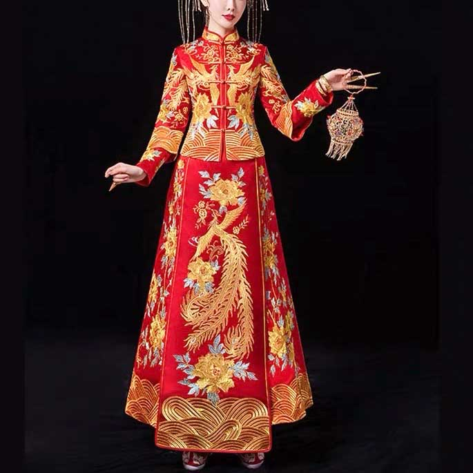 Layered Sleeve Wedding Kua 龍鳳卦/秀禾服 Qun Kua Cheongsam for Bride with Golden Phoenix and Floral Embroi