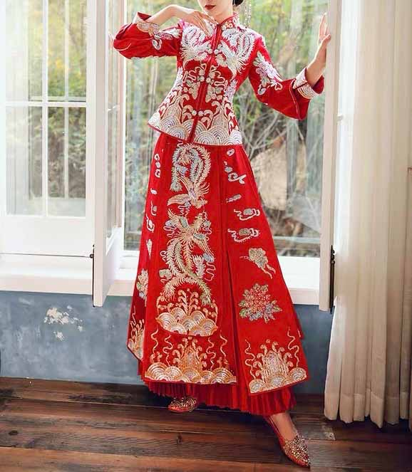Brand - Wedding Dress Bridal Wear - 新娘婚纱和礼服 - Gold and Silver Beaded Phoenix Embroidery Wedding Kua 龍鳳卦/秀禾服 Qun Kua Cheongsam for Bride in Chinese Red - 世界各地适用