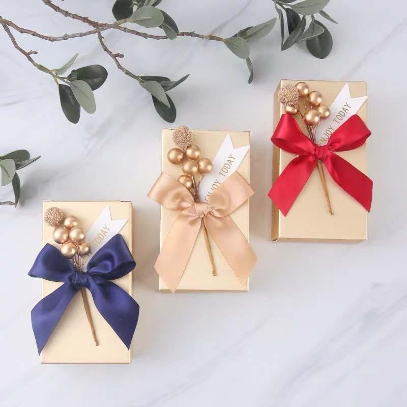 50 PCS Guest Favors Rectangular Wedding Candy Boxes with Golden Pearls and Ribbon