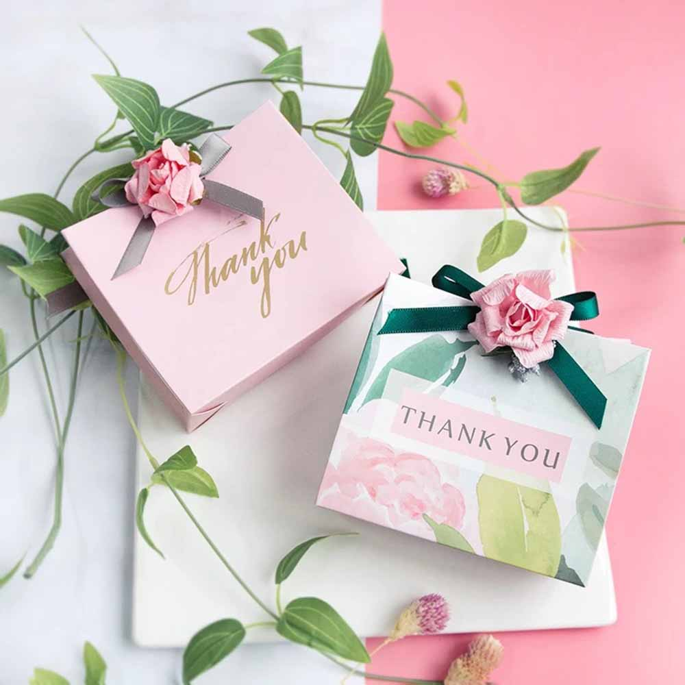 50 PCS Guest Favors Wedding Candy Boxes / Paper Bag with Floral or Plain Print