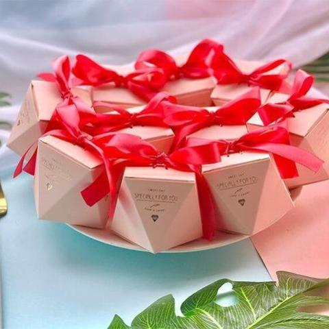 50 PCS Blush Peach Pink Diamond Shaped Wedding Candy Box Gifts & Favors - Red Ribbon