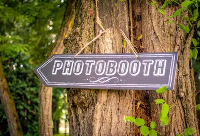 Photobooth for 5 Hours with Custom Photo Prints-4