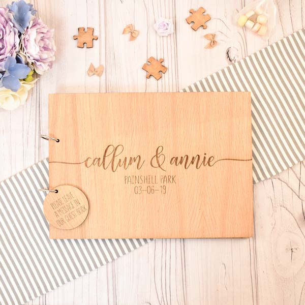Mr. & Mrs. Heart  - 场地布置 - Wooden Wedding Guest Book with Custom Design Wooden Engraving - 世界各地适用