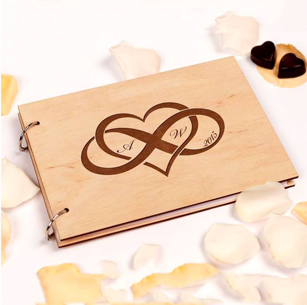Mr. & Mrs. Heart  - 场地布置 - Wooden Wedding Guest Book with Custom Design Heart Infinity Design Engraved Couple Initials - 世界各地适用