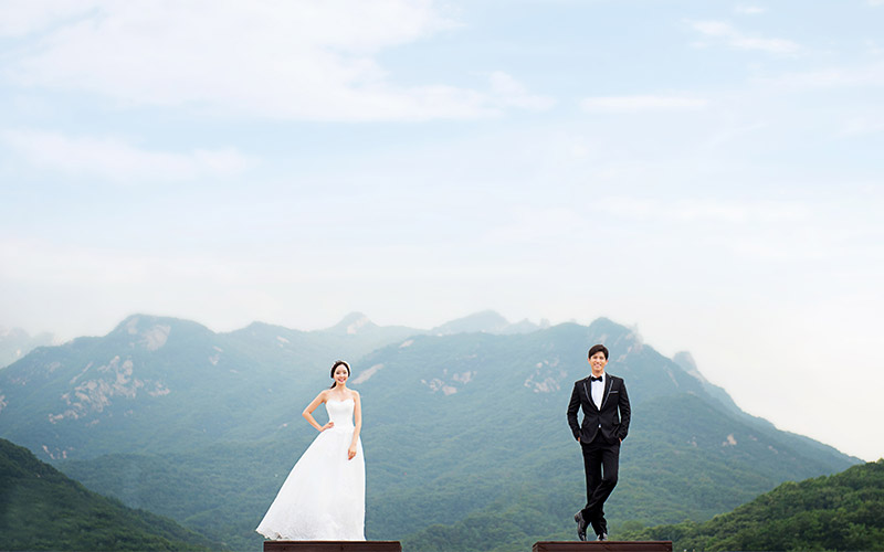 Korean Pre-Wedding Photography + Garden Scenes + Train Rail Scene + Indoor + Outdoor-11
