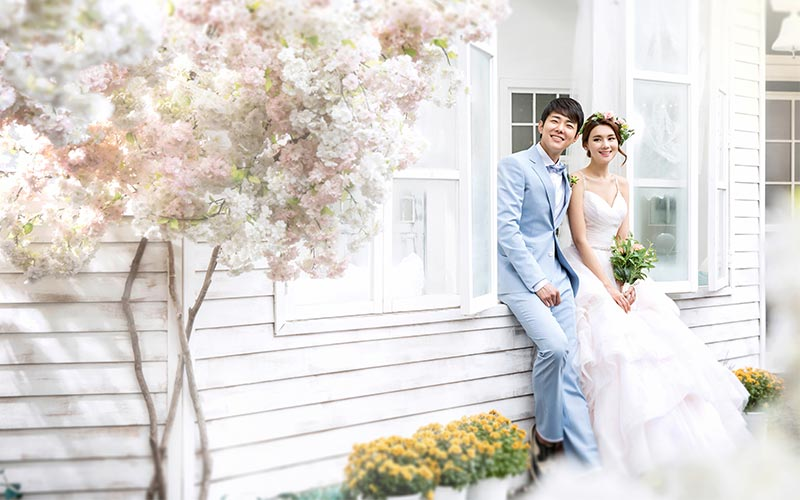 Korean Pre-Wedding Photography + Garden Scenes + Train Rail Scene + Indoor + Outdoor-18