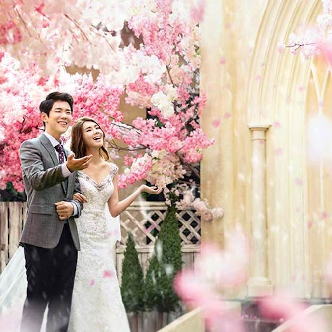 Korean Pre-Wedding Photography Package, Indoor + Roof Scenes + Outdoor 1 location within Seoul