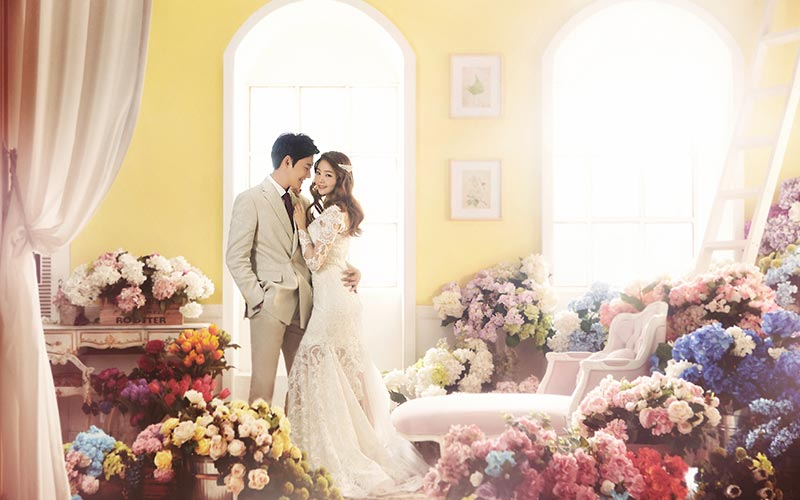 Korean Pre-Wedding Photography + Garden Scenes + Train Rail Scene + Indoor + Outdoor-3