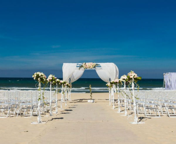 Furama Resort Danang Wedding Package (50 pax)
