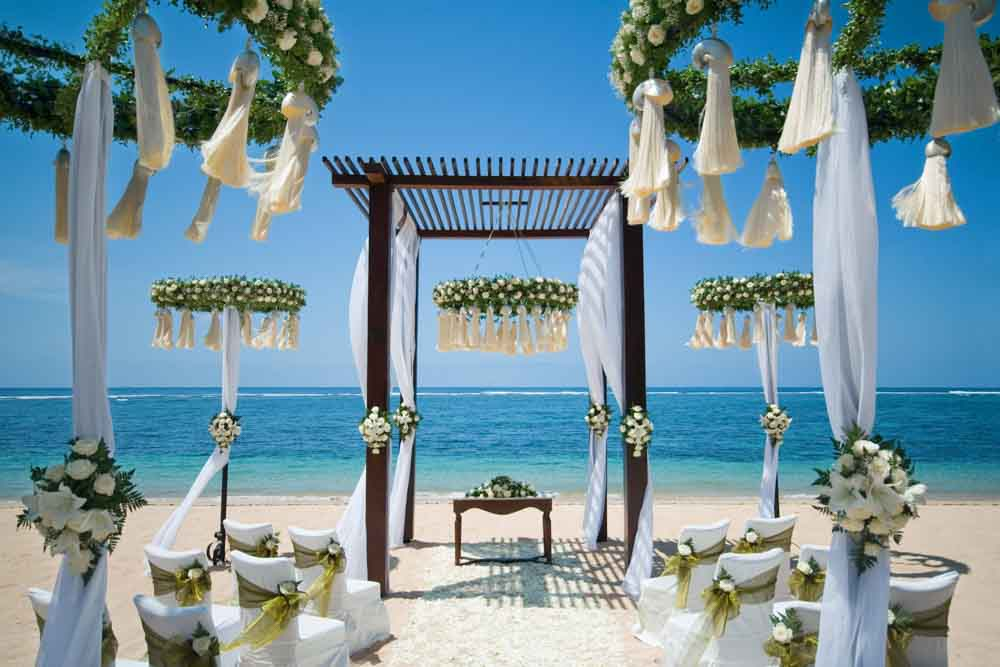 The St. Regis Bali Resort Beach Enchantment Elegance  (30 pax)