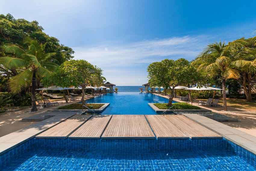 Crimson Resort & Spa Mactan  (100 pax)-2
