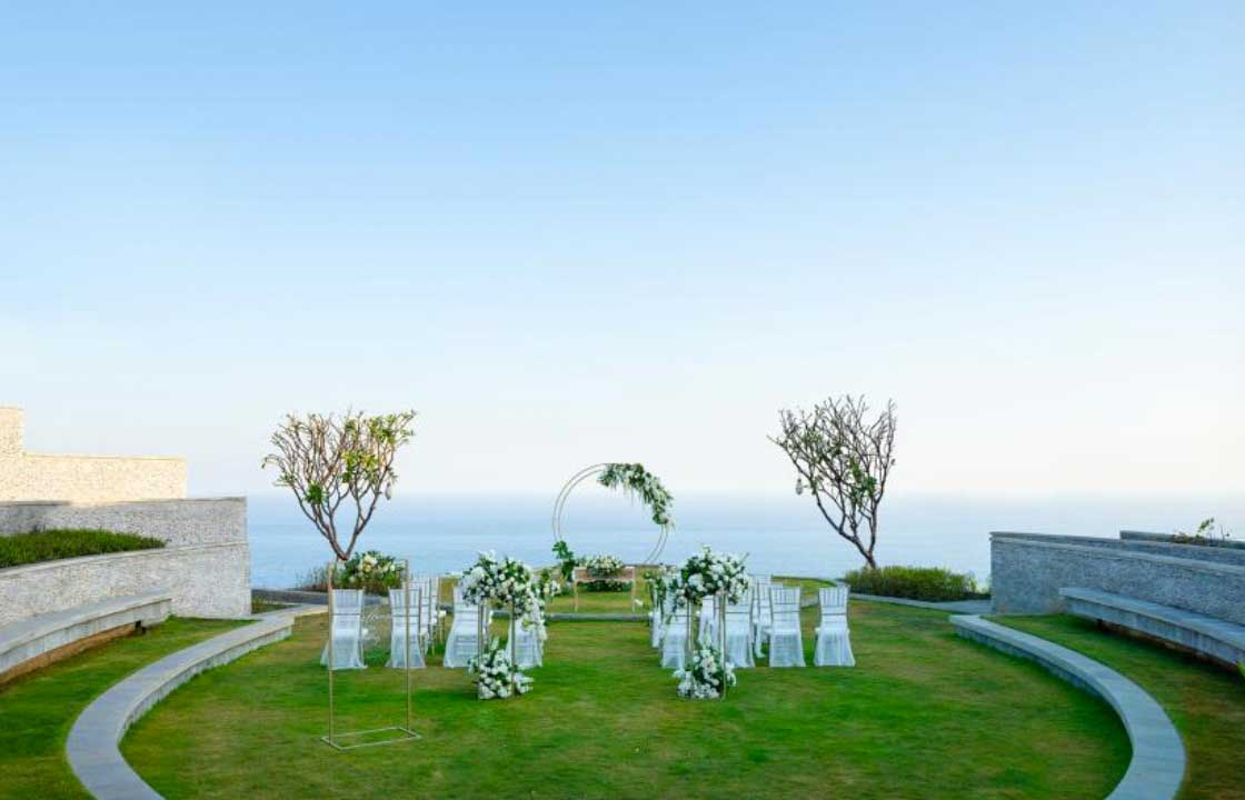 Six Senses Uluwatu Resort Intimate All-Inclusive Wedding (30 pax)
