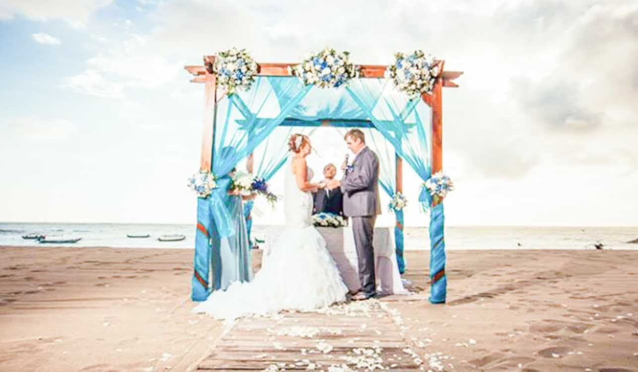 Ma Joly Sunset Beach Wedding Venue (30 - 100 Pax) Inclusive of Photograph & Videography + Makeup & Hair + Decorations-12