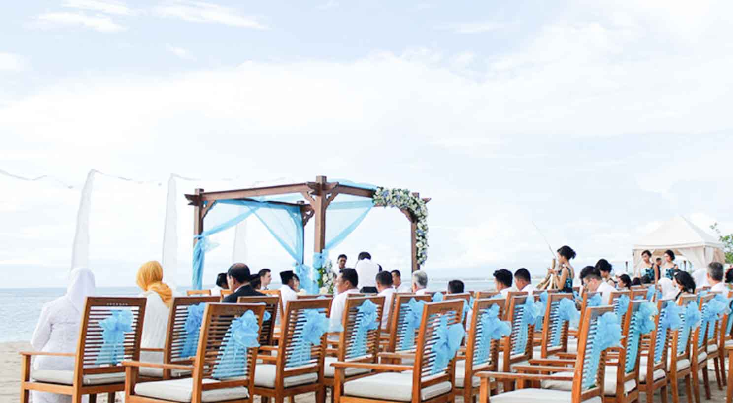 Ma Joly Sunset Beach Wedding Venue (30 - 100 Pax) Inclusive of Photograph & Videography + Makeup & Hair + Decorations-9