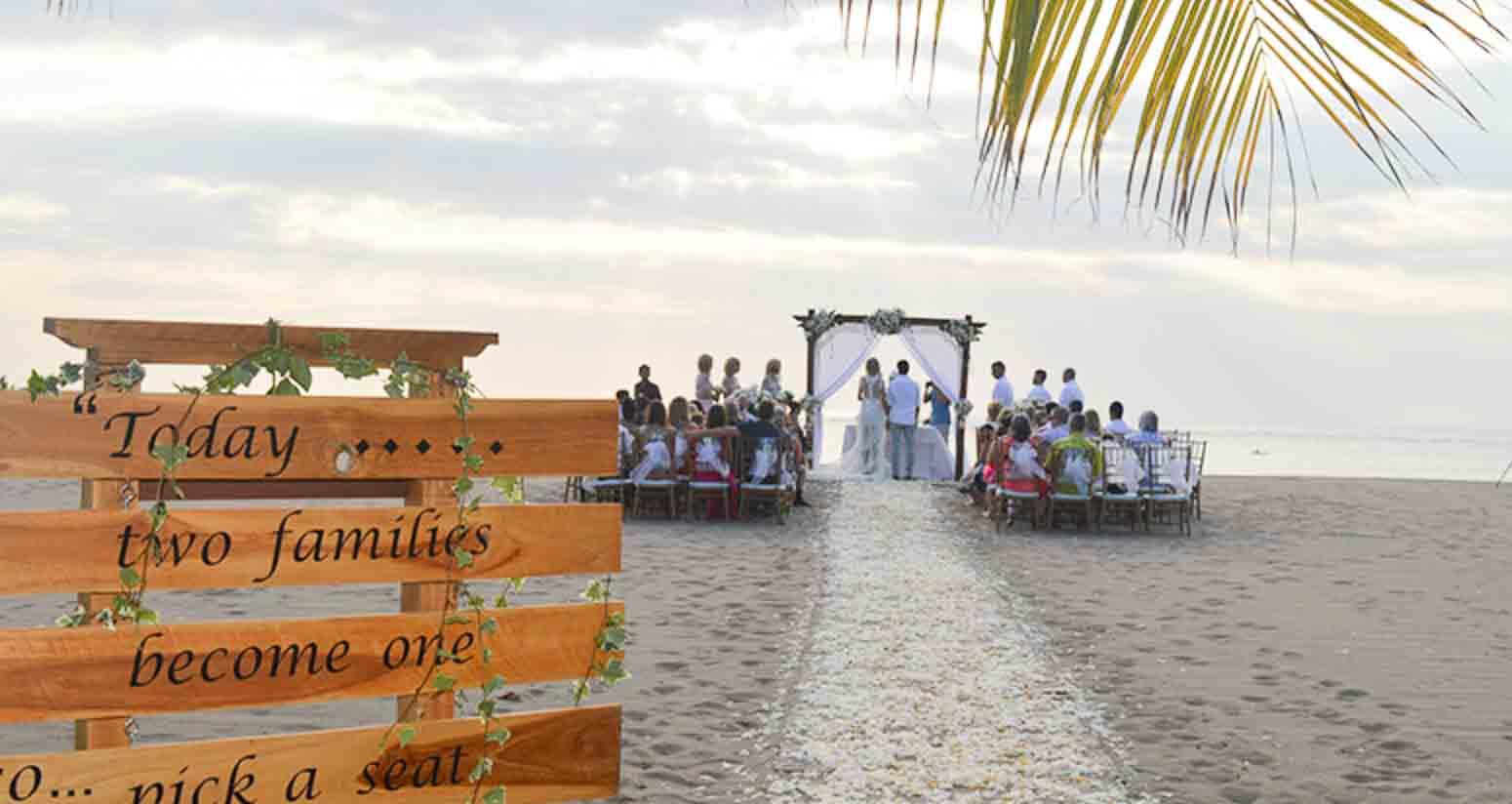 Ma Joly Sunset Beach Wedding Venue (30 - 100 Pax) Inclusive of Photograph & Videography + Makeup & Hair + Decorations-10