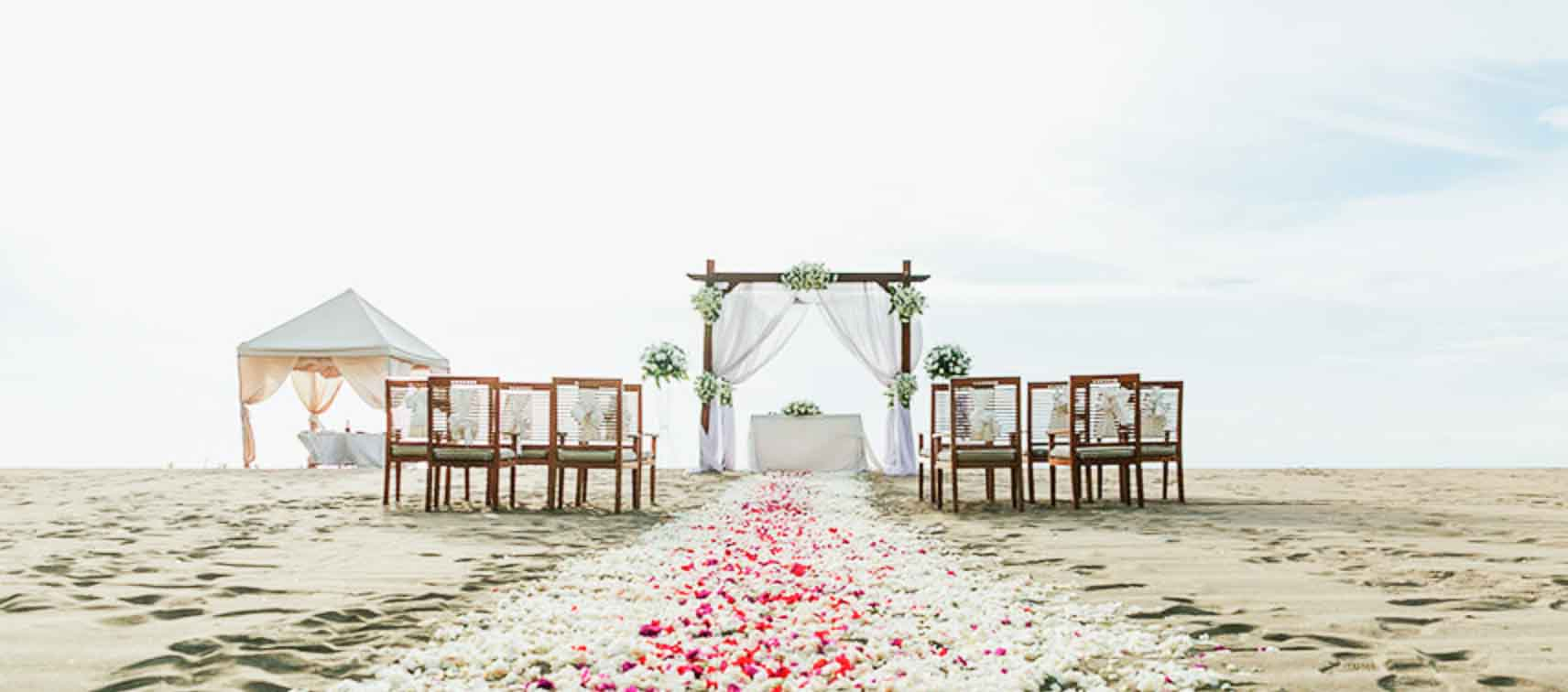 Ma Joly Sunset Beach Wedding Venue (30 - 100 Pax) Inclusive of Photograph & Videography + Makeup & Hair + Decorations-14