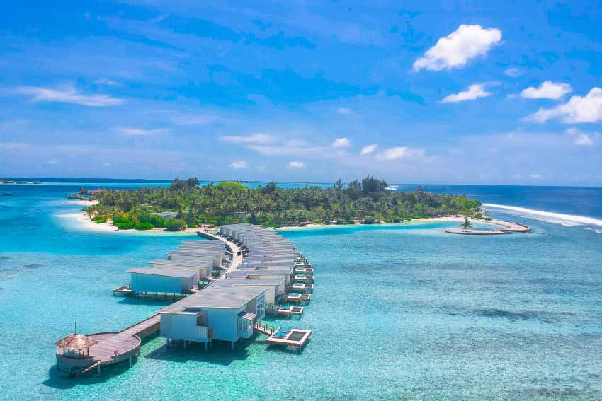 Holiday Inn Resort® Kandooma Maldives Wedding Package (2 pax)