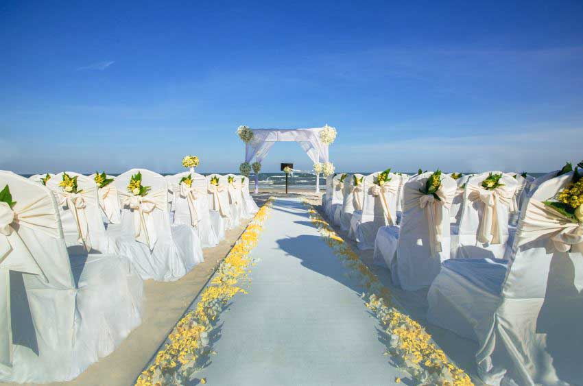 Centara Grand Beach Resort & Villas Hua Hin Wedding Package (40 pax)