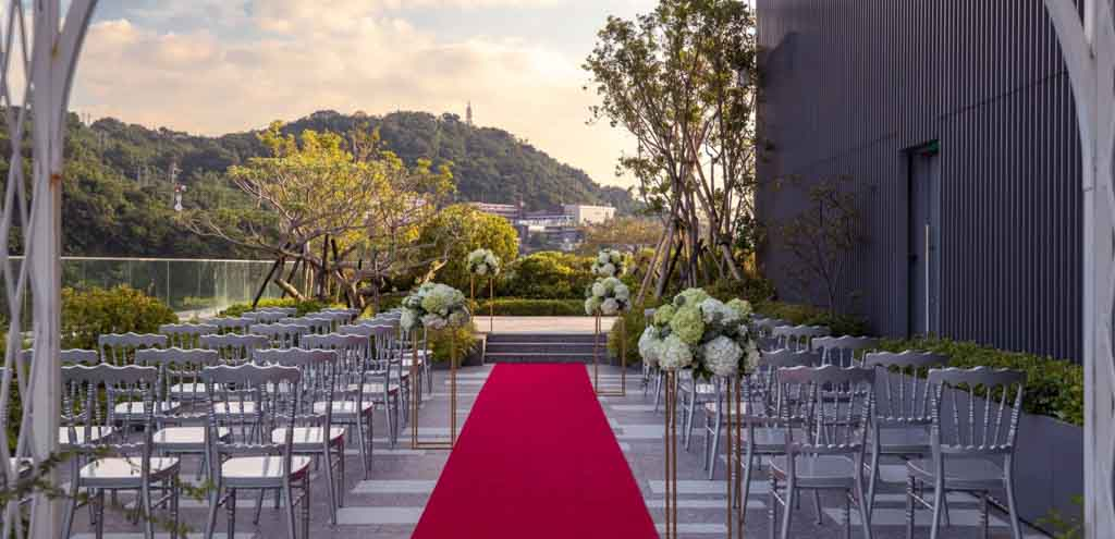 Renaissance Taipei Shihlin Hotel All-Inclusive Wedding Package (Venue & F&B Costs Not Included - Dependent on Guest Count)