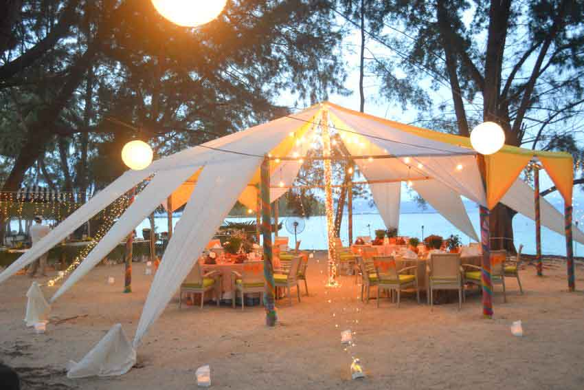Sutera Sanctuary Lodges At Manukan Island Wedding Package (20 pax)