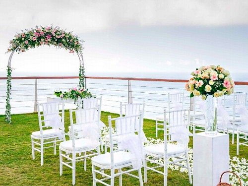 The edge Cliff  Wedding - Weekday Weddings Only (24 pax)