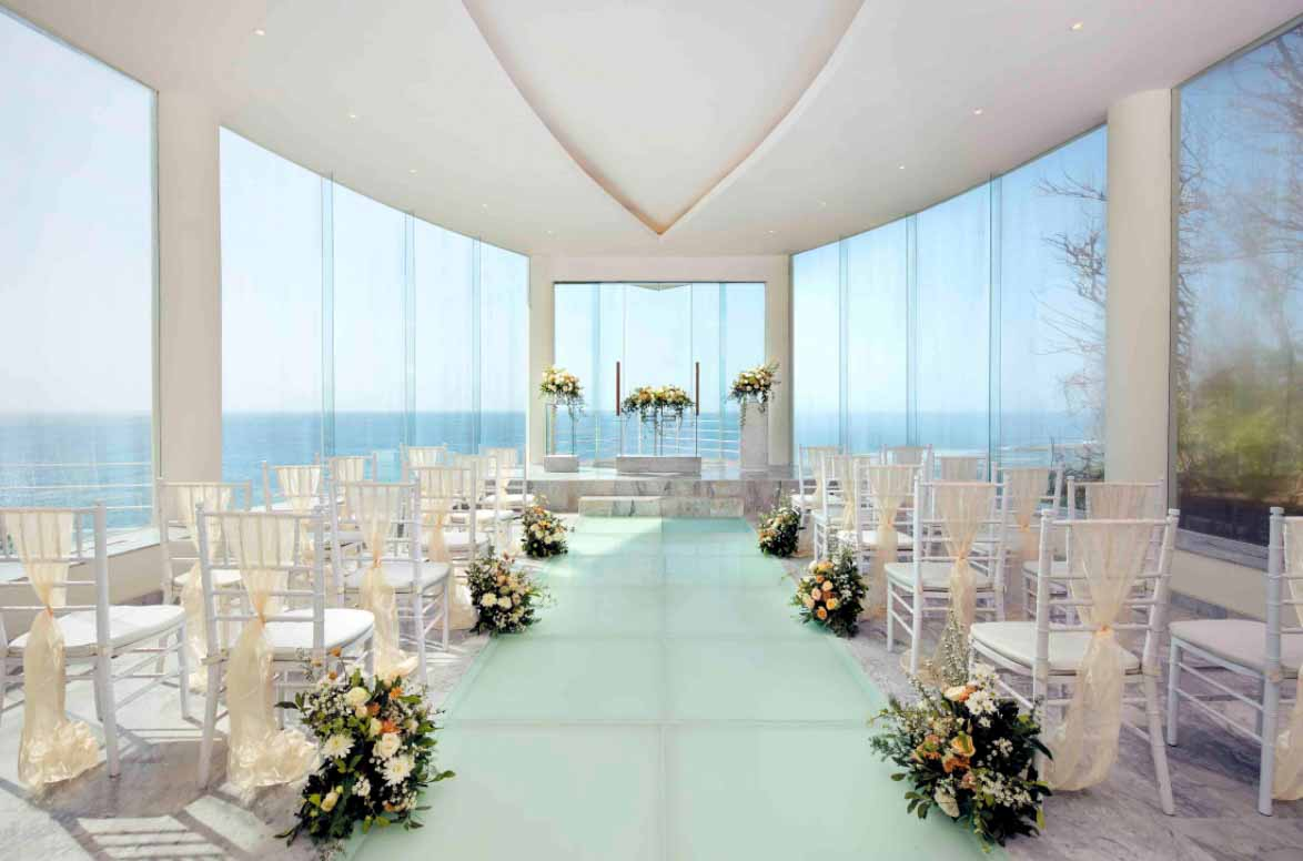 Wiwaha Glass Chapel at Hilton Bali Resort 全包婚禮套餐 (30 人)