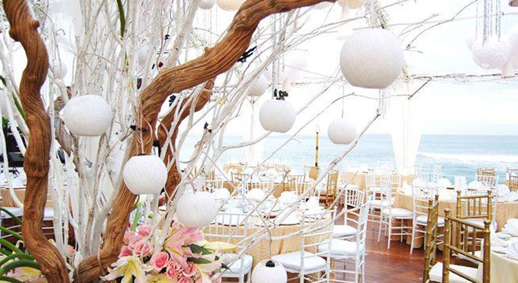 All-Inclusive Beach, Lawn, or Cliff Wedding at Hilton Bali Resort (30 pax) -14