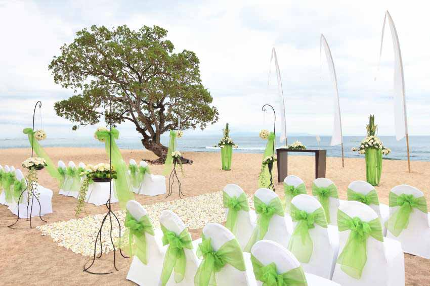 All-Inclusive Wiwaha Villa Poolside Wedding at Hilton Bali Resort (30 pax) -7