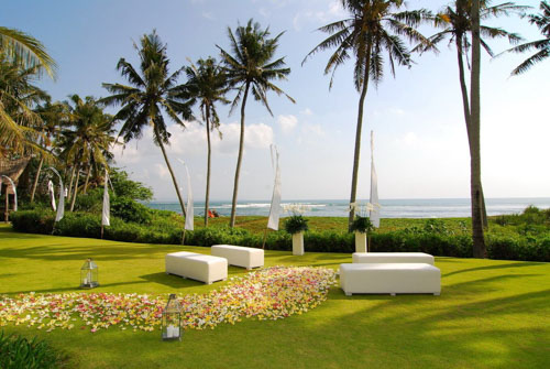 5 BR Ombak Luwung Beachfront Estate Wedding Venue (75-150 pax) Inclusive of 3 Night Stay  + Photography & Videography + Makeup & Hair + Decorations-6