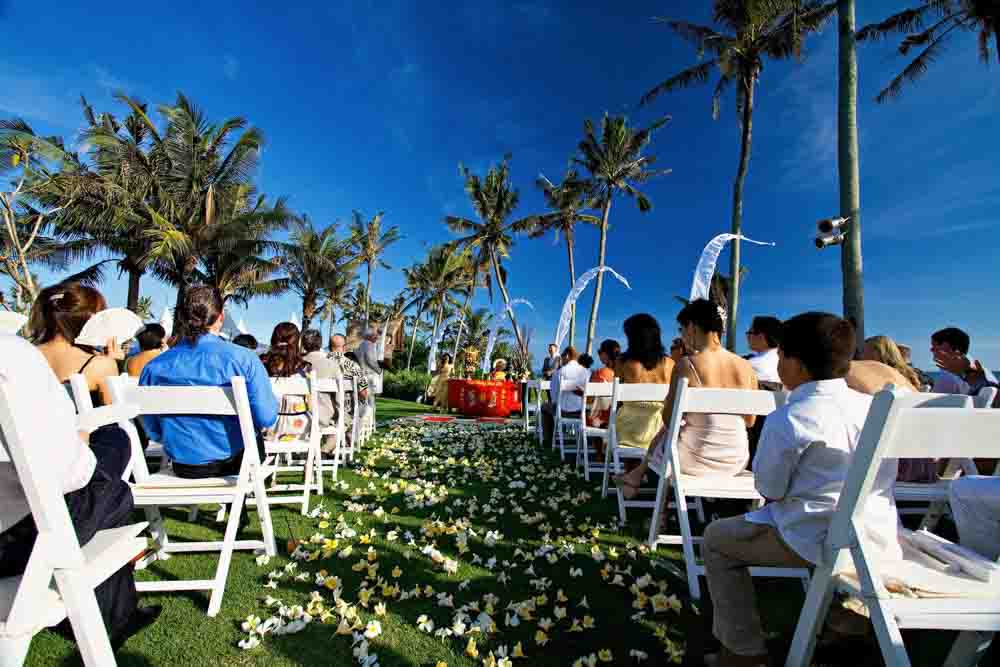 5 BR Ombak Luwung Beachfront Estate Wedding Venue (75-150 pax) Inclusive of 3 Night Stay  + Photography & Videography + Makeup & Hair + Decorations-14