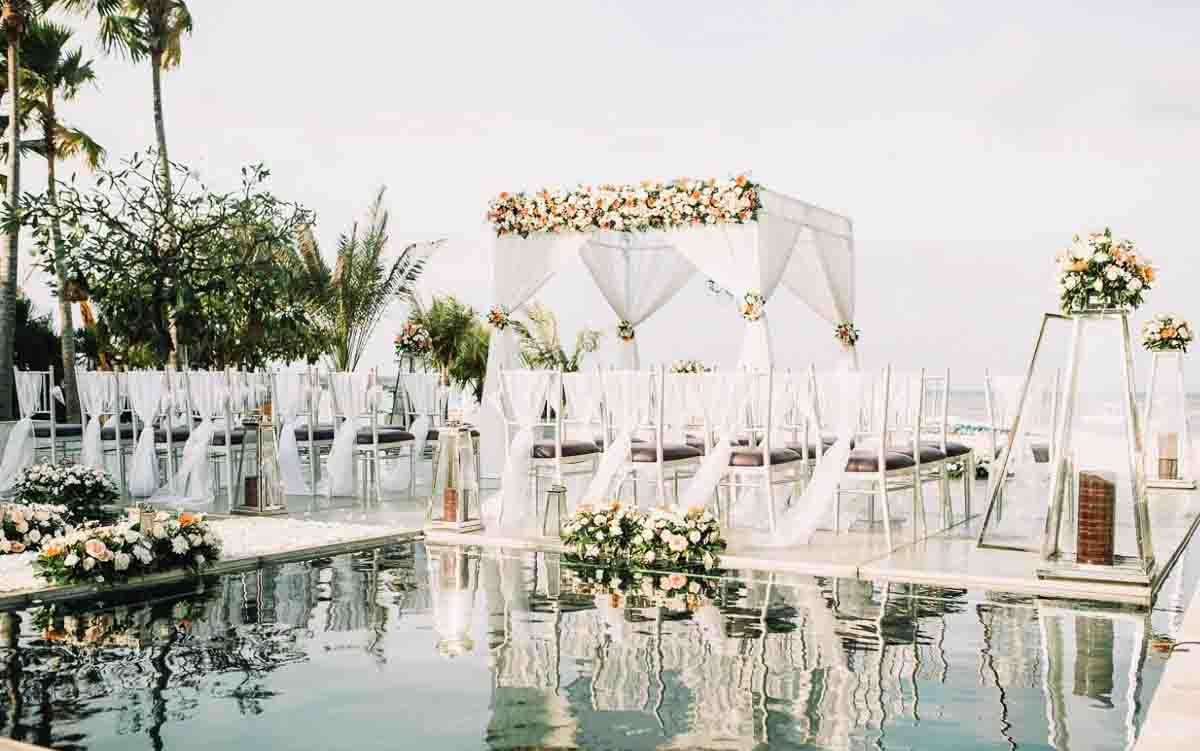 Sakala Resort On-Water Wedding Inclusive of 2 Night Stay For Bride & Groom + 2 Night Stay for Family or Friends