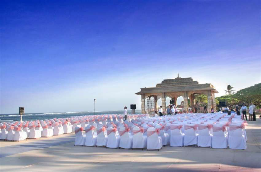 Grand Hyatt Bali Beach Wedding (20 pax)