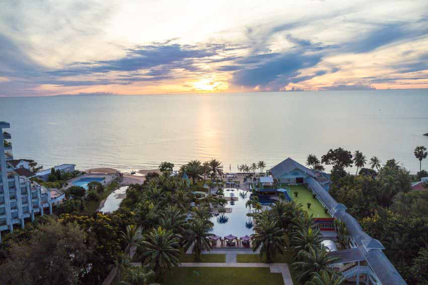 Novotel Hua Hin Cha Am Beach Resort & Spa  (30 pax)-12