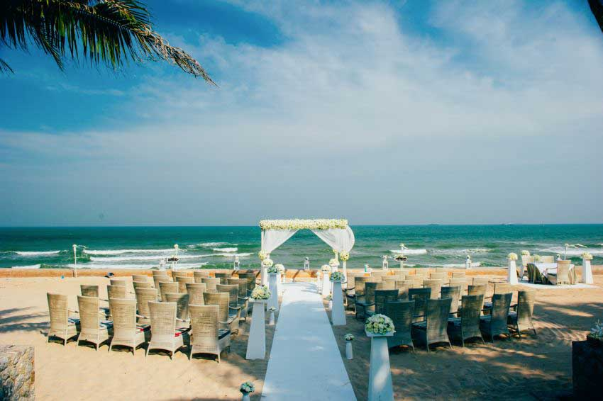 Aleenta Hua Hin Resort & Spa Wedding Package (2 pax)