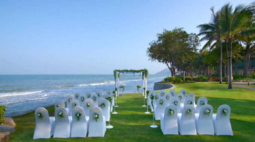 Hyatt Regency Hua Hin Wedding Package (20 pax)
