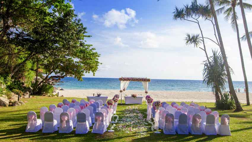Le Meridien Phuket Beach Resort Wedding Package (2 pax)