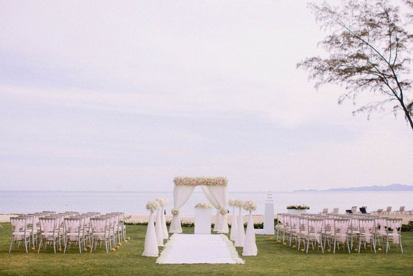 Dusit Thani Krabi Beach Resort Wedding Package (20 pax)