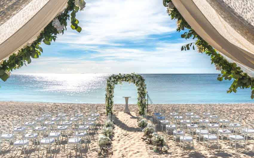 MÖvenpick Resort & Spa Boracay Wedding Package (10 pax)
