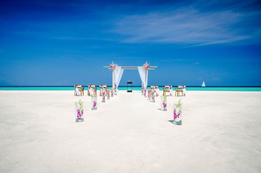 One & Only Reethi Rah Wedding Package (2 pax)