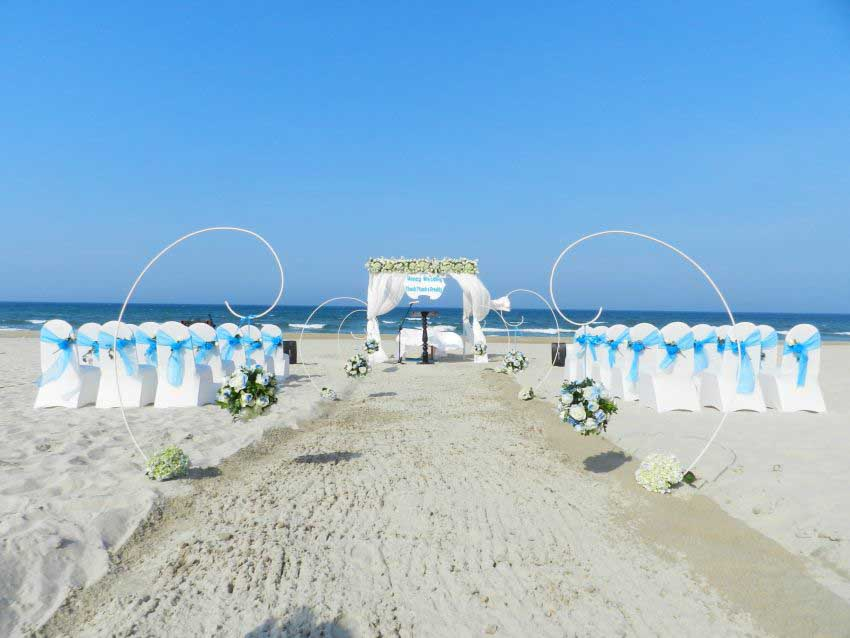Centara Sandy Beach Resort Danang Wedding Package (20 pax)