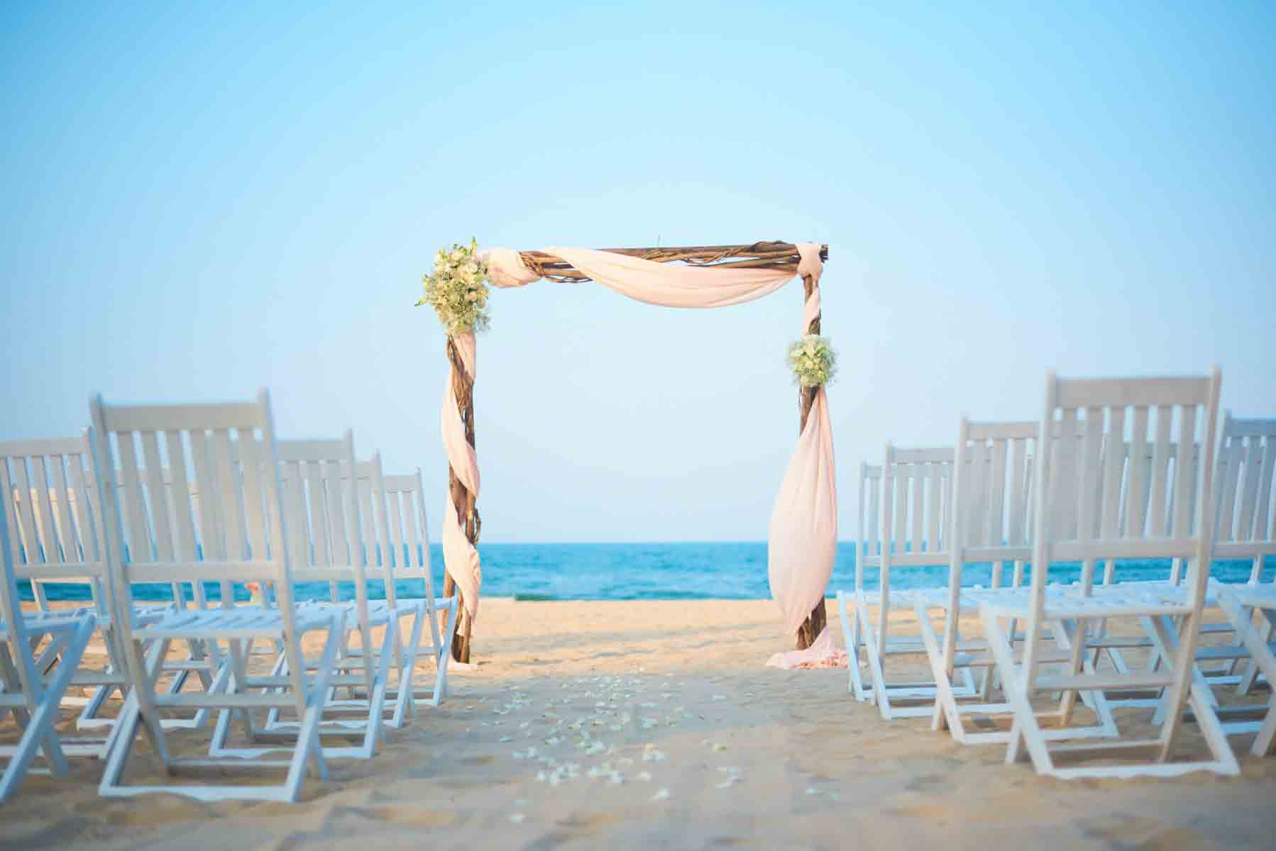 Pullman Danang Beach Resort Blissful Beginnings Wedding Package (10 pax)