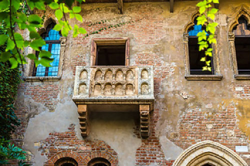 Shakespeare's Juliet's Balcony Proposal (Casa di Guilietta, Verona)